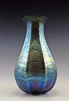 Csodálatos keleties formavilágú szecessziós, fújt irizáló üvegváza 28 cm