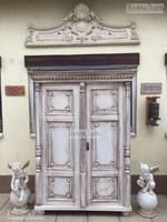 Provence bútor, antikolt Ónémet szekrény.