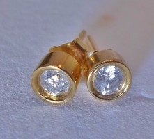 Szép kis 0.25ct gyémánt button aranyfülbevaló
