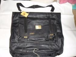 Fargó öltönytartó  táska