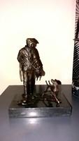 Vadász jelenetes - bronz szobor