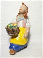 Art deco kerámia szobor lány virágkosárral , nagy látványos méret