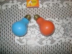 Két darab retro színes villanykörte