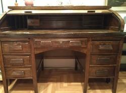 Gyönyörű lingel redőnyös íróasztal