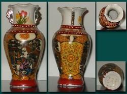 Kézi festésű kínai porcelán váza. 16 cm.