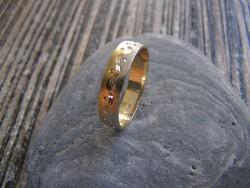 FÉRFI ARANYGYŰRŰ , arany gyűrű, karikagyűrű,63-64-es méret, 14 karátos, 3,6 gramm, bicolor