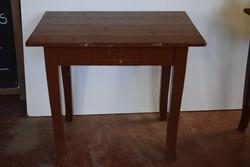 Szecessziós asztal
