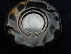 Szecessziós-dombor mintás peremmel-kerek ezüstözött patinás kis tál-11,5 cm