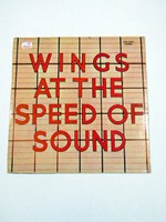 WINGS AT THE SPEED OF SOUND  /  BAKELIT LEMEZ Szs.:  1671
