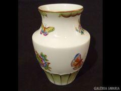 1083 K10 Viktória mintás I. osztályú herendi váza