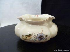 2210 K1 Zsonlay vajszínű pillangós bordás váza