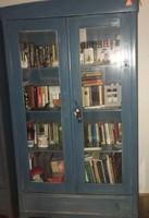 Festett régi fenyő szekrény eladó