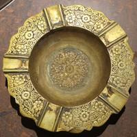 Antik indiai fém hamutálca különféle szív és virág mintával.Oldalán mm-es hiba .