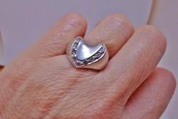 Szép formás köves ezüst gyűrű
