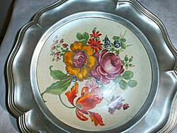 Porcelán betétes ón fali tányér