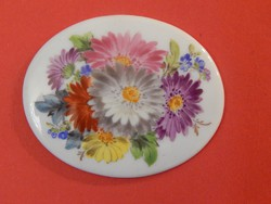 Meisseni porcelán medál/bross