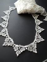 Szép levél motívumos díszítő csipke 10 méter
