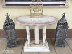 Provence bútor, antikolt ovális asztal.
