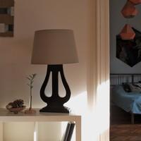 Egyedi lámpa, régi zongorapedálból