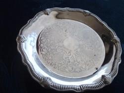 Barokk cizellált mintás kis ezüstözött tálka-kagyló mintás bordázott peremmel-9,5 cm