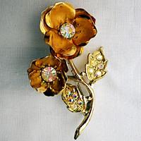 Vintage aranyozott virág bross