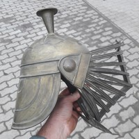 Gladiátos sisak