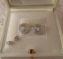 Kerek beszúrós ezüst fülbevaló - stekker - sok pici kővel - új