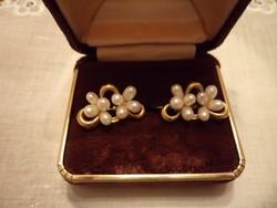 Aranyozott fülbevaló gyöngyökkel