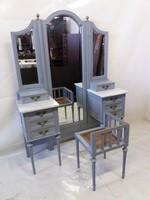 Fésülködőasztal tükörrel+székkel.