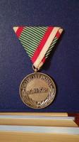 Magyar háborús emlékérem sisak és kardok nélkül