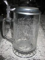 Bajor  sörös krigli  ,üveg ,  vadász jelenettel   10 x 16  cm ,  óntetővel