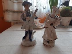 Porcelán szobor 2 db.