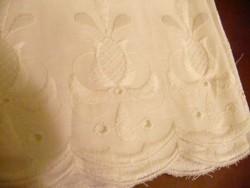 Fehér hímzett batiszt vitrázs 3,60x12