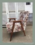 Kedves kis retro fotel,szép kárpittal
