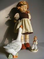 Hummel porcelánfejű baba Libás lány - Goose Girl 35cm -es