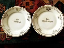 Ezüstlakodalmi dísztányérpár 100 éves tányérok