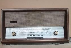 Retro melodija rádió.