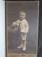FOTÓ FOTÓGRÁFIA FÉNYKÉP JELZETT HÚSVÉT VITANGE KÉP FISFIÚ FIÚ + NYÚL GYERMEK BUDAPEST cca 1890