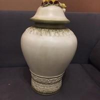 Gyonyoru Capodimonte fedeles urns vaza.