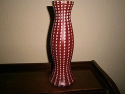 Két különböző színű  (nem festett) rétegű   üveg  váza