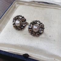 Régi aranyozott ezüst fülbevaló igazgyönggyel, sárga kövekkel
