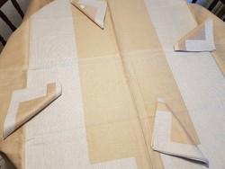Drapp-barna vászon terítő, abrosz 140x140 cm és szalvéták