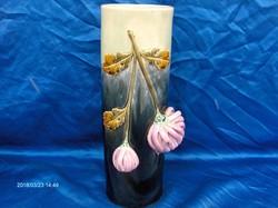 Majolika váza