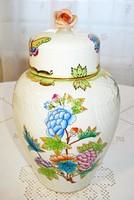 Herendi, Viktória mintás urnaváza vagy teafű tartó