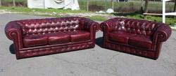 Gyönyörű,antik burgundi színű Chesterfield,valódi bőr ülőgarnitúra!  3-2