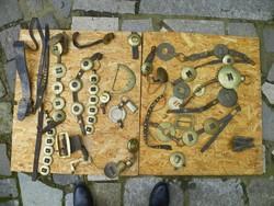 Antik lószerszám veretek, díszek, szíjak egyben