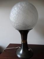 Képcsarnokos asztali lámpa, Szabó Erzsébet üvegművész munkája