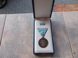 Árvizvédelmi Tevékenység Elismerésere,ezüstözött kitüntetés