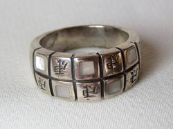 Gyönyörű ezüst gyűrű, gyöngyházzal, EGÉSZSÉG felirattal