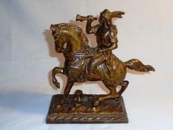 Bronz lovas szobor